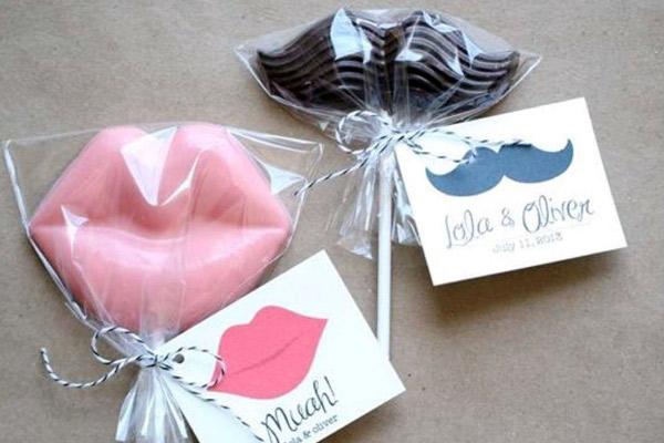 Dulces y chocolates como recuerdos de boda