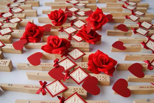 Recuerdos para bodas con flores y cajas