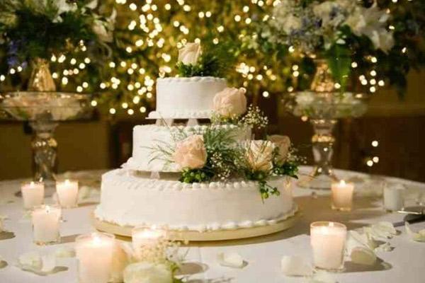 Adornos de flores para tortas de matrimonio