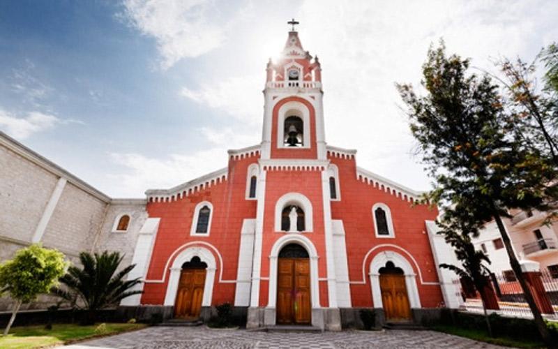 Iglesia de La Recoleta en Arequipa donde puedes casarte en una boda religiosa.